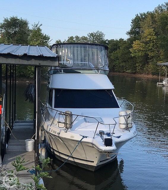 1997 Bayliner boat for sale, model of the boat is 3258 Avanti Flybridge & Image # 4 of 41