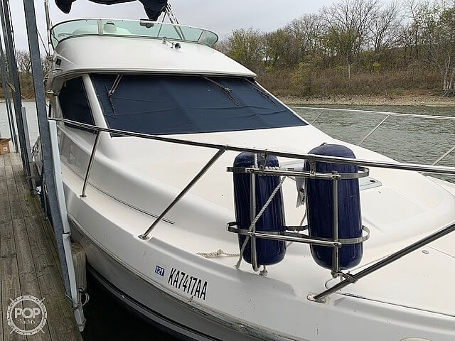 1997 Bayliner boat for sale, model of the boat is 3258 Avanti Flybridge & Image # 11 of 41