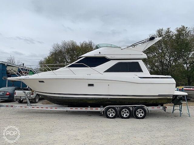 1997 Bayliner boat for sale, model of the boat is 3258 Avanti Flybridge & Image # 12 of 41