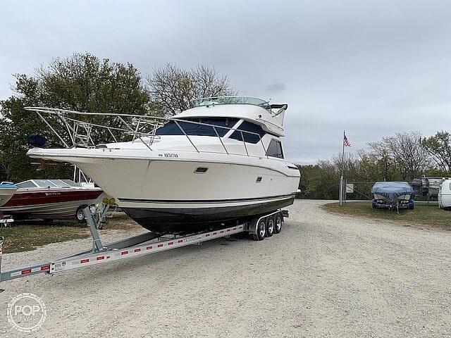 1997 Bayliner boat for sale, model of the boat is 3258 Avanti Flybridge & Image # 13 of 41