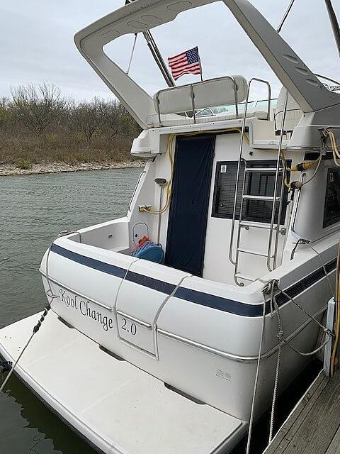 1997 Bayliner boat for sale, model of the boat is 3258 Avanti Flybridge & Image # 16 of 41