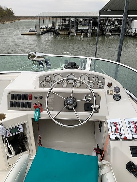 1997 Bayliner boat for sale, model of the boat is 3258 Avanti Flybridge & Image # 22 of 41