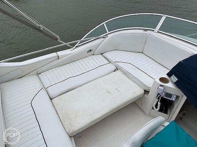 1997 Bayliner boat for sale, model of the boat is 3258 Avanti Flybridge & Image # 28 of 41