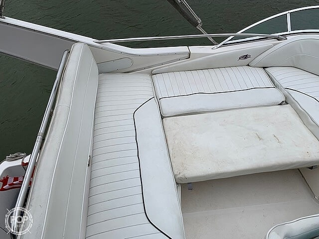 1997 Bayliner boat for sale, model of the boat is 3258 Avanti Flybridge & Image # 29 of 41