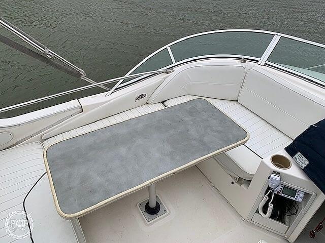 1997 Bayliner boat for sale, model of the boat is 3258 Avanti Flybridge & Image # 30 of 41
