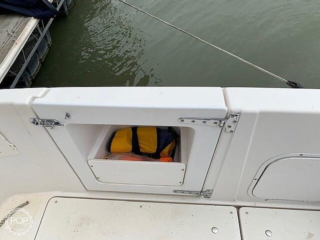 1997 Bayliner boat for sale, model of the boat is 3258 Avanti Flybridge & Image # 32 of 41