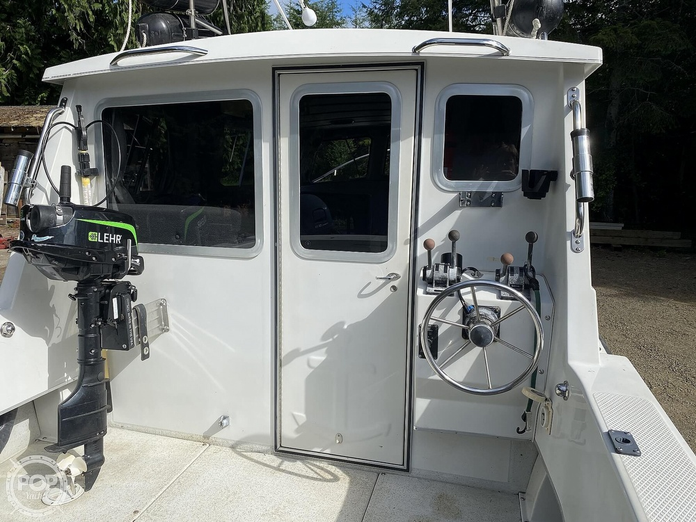 1994 Seasport boat for sale, model of the boat is Navigator 2700 & Image # 3 of 25