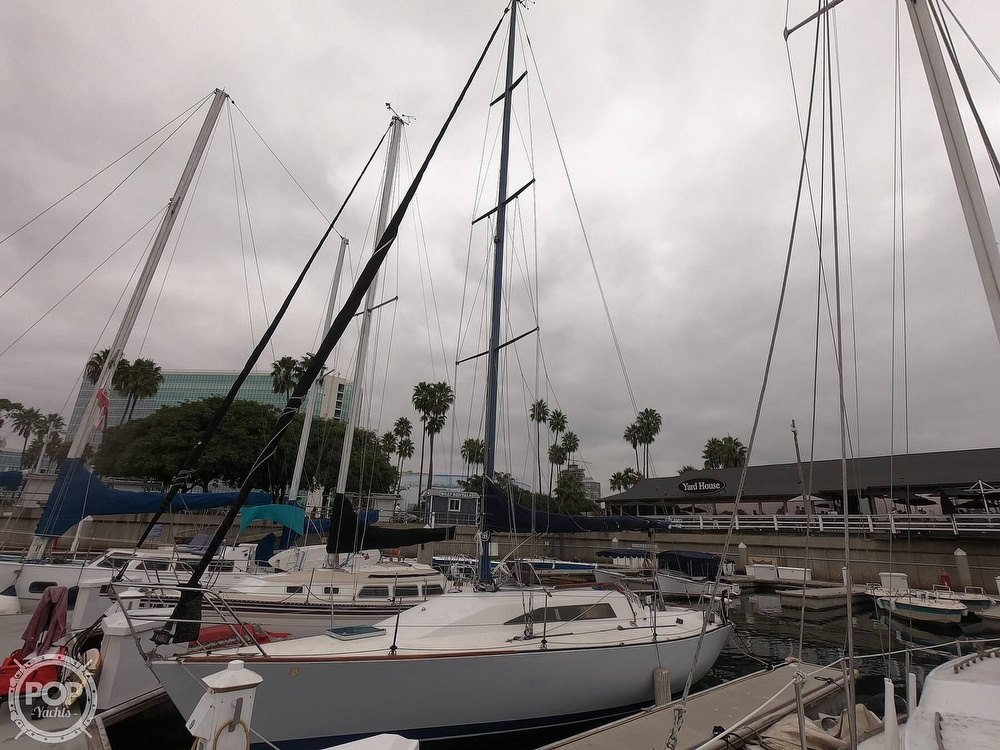 1984 Farr boat for sale, model of the boat is 33 & Image # 33 of 40