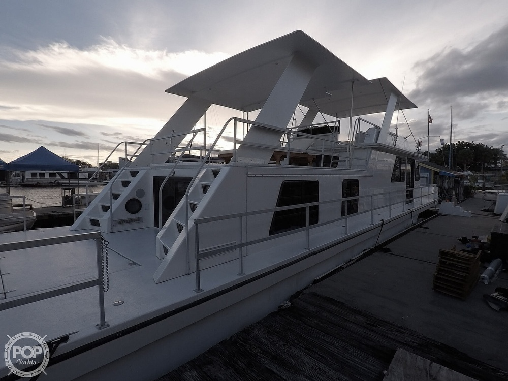 2001 Gibson boat for sale, model of the boat is 5500 & Image # 5 of 40
