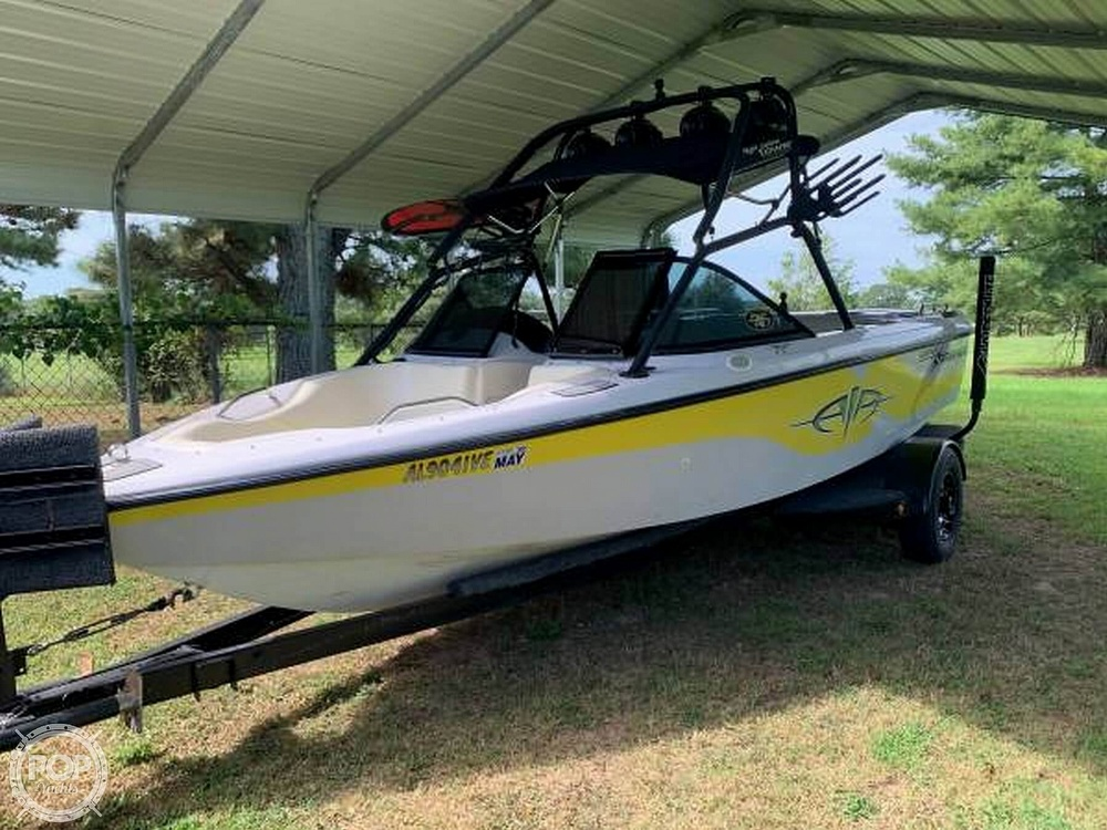 2000 Correct Craft boat for sale, model of the boat is Super Air Nautique & Image # 2 of 41