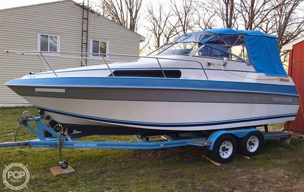 1991 Four Winns boat for sale, model of the boat is 235 Vista & Image # 2 of 40