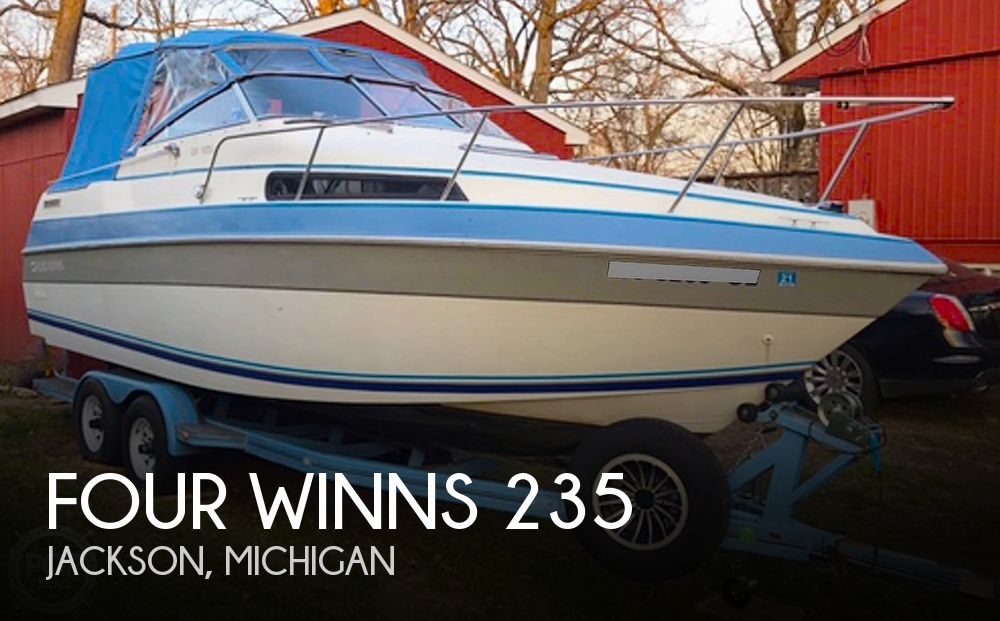 1991 Four Winns boat for sale, model of the boat is 235 Vista & Image # 1 of 40