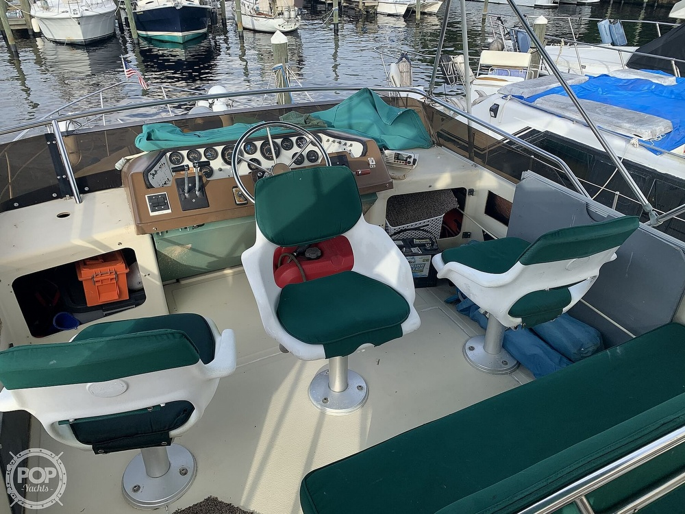 1983 Sea Ray boat for sale, model of the boat is 355 Aft Cabin & Image # 31 of 40
