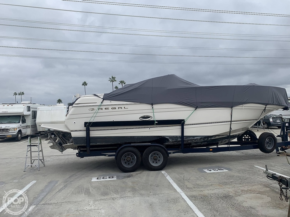 2001 Regal boat for sale, model of the boat is 2765 Commodore & Image # 4 of 40