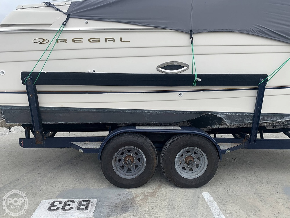 2001 Regal boat for sale, model of the boat is 2765 Commodore & Image # 5 of 40