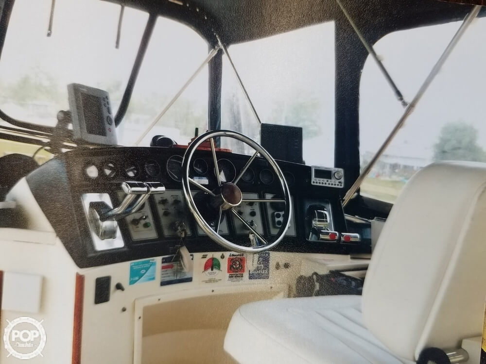 1982 Carver boat for sale, model of the boat is 3607 & Image # 3 of 4