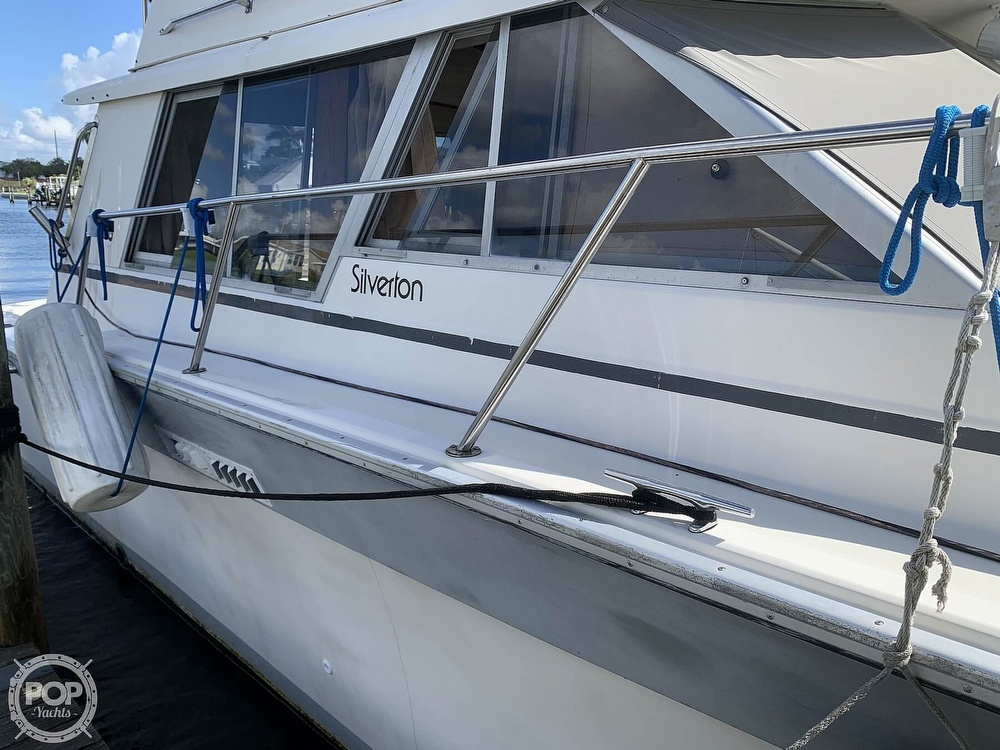 1986 Silverton boat for sale, model of the boat is 34 C & Image # 11 of 40