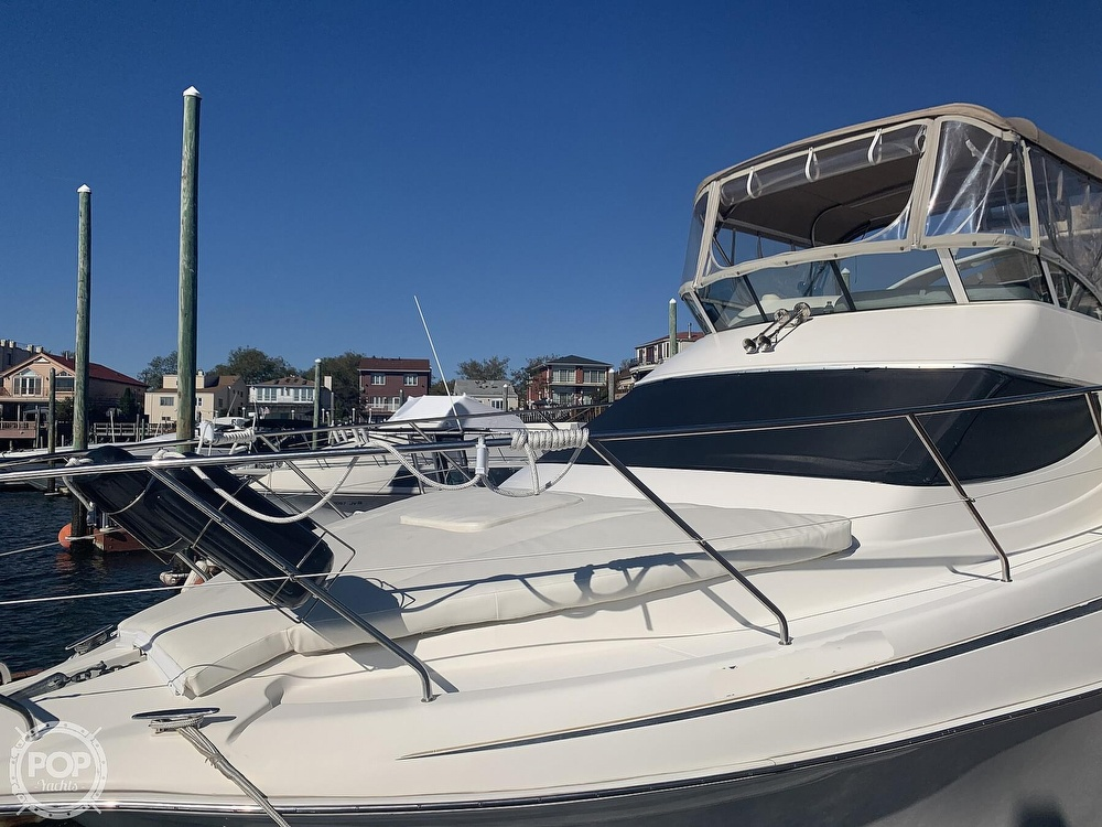2002 Silverton boat for sale, model of the boat is 330 Sport bridge & Image # 2 of 40