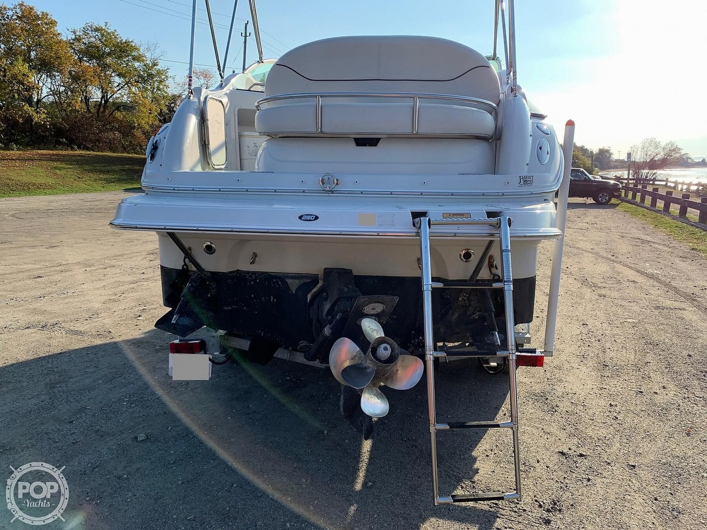 2004 Crownline boat for sale, model of the boat is 250 CR & Image # 23 of 40