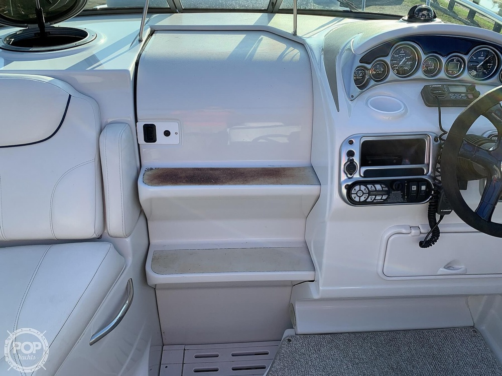 2004 Crownline boat for sale, model of the boat is 250 CR & Image # 34 of 40