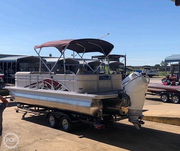 2019 Bennington boat for sale, model of the boat is SX 22 & Image # 2 of 40