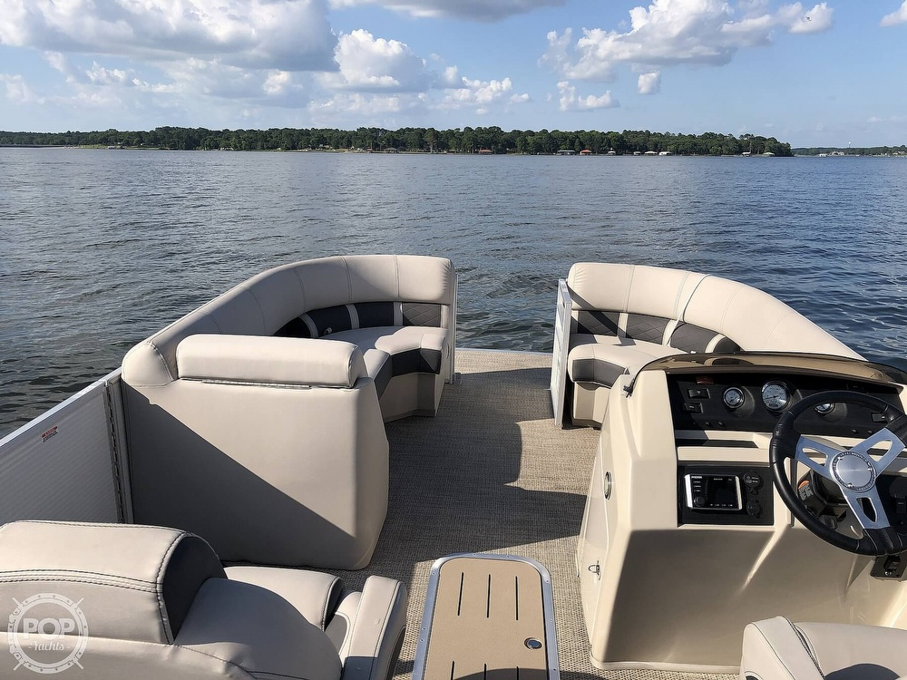 2019 Bennington boat for sale, model of the boat is SX 22 & Image # 27 of 40