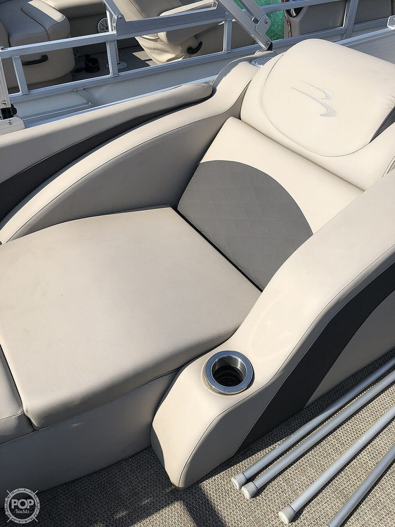 2019 Bennington boat for sale, model of the boat is SX 22 & Image # 36 of 40