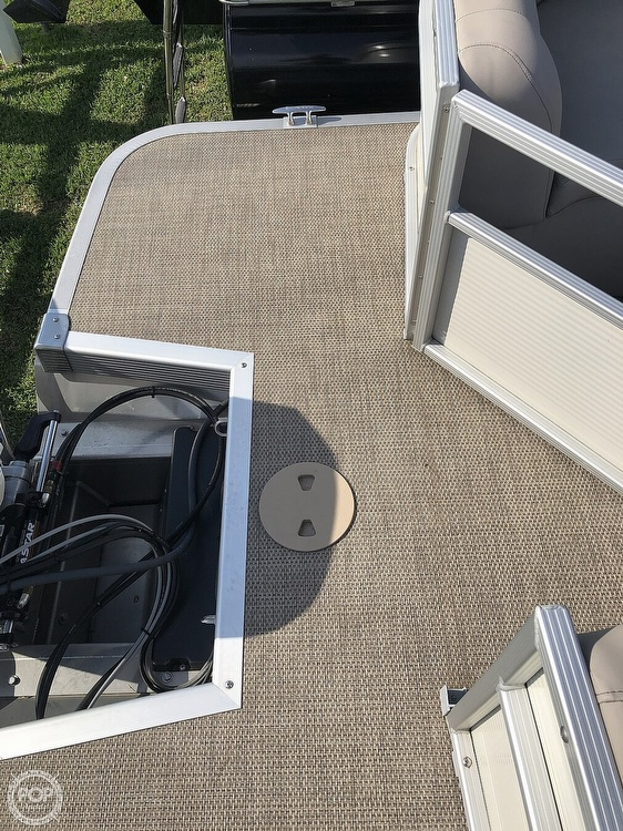2019 Bennington boat for sale, model of the boat is SX 22 & Image # 39 of 40