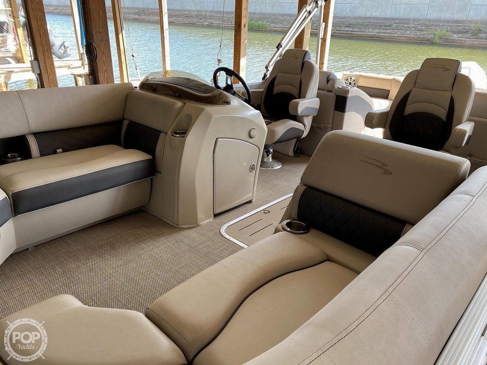2019 Bennington boat for sale, model of the boat is SX 22 & Image # 15 of 40