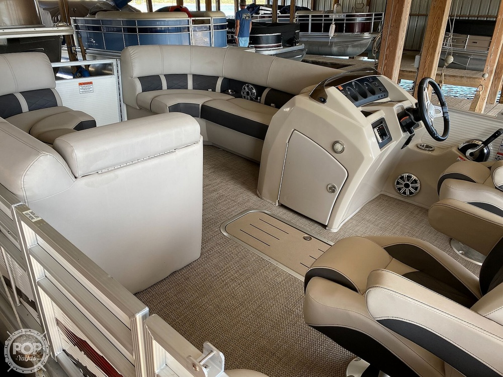 2019 Bennington boat for sale, model of the boat is SX 22 & Image # 14 of 40