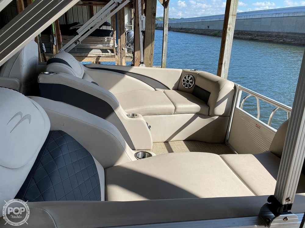 2019 Bennington boat for sale, model of the boat is SX 22 & Image # 16 of 40