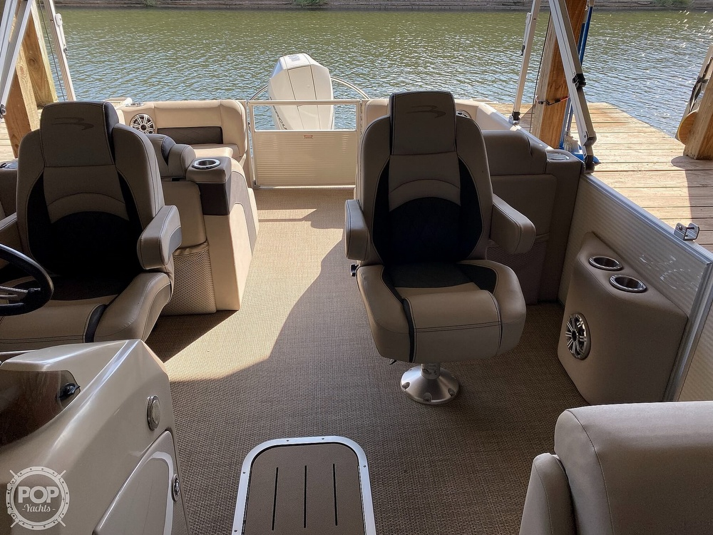 2019 Bennington boat for sale, model of the boat is SX 22 & Image # 11 of 40