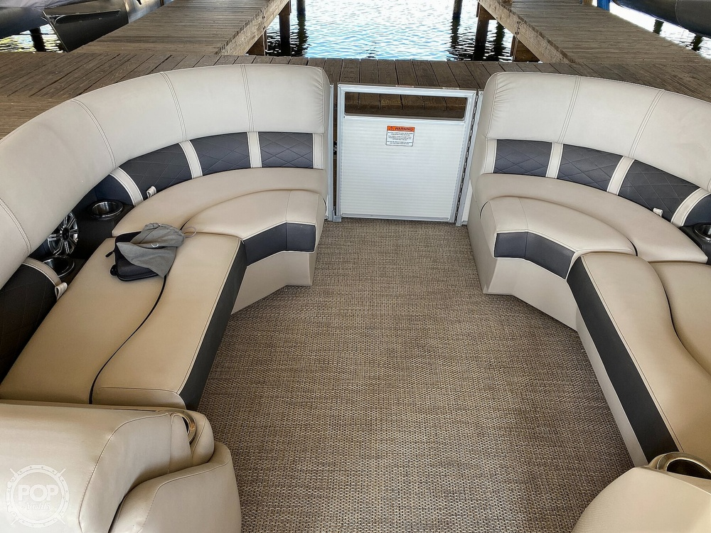 2019 Bennington boat for sale, model of the boat is SX 22 & Image # 10 of 40
