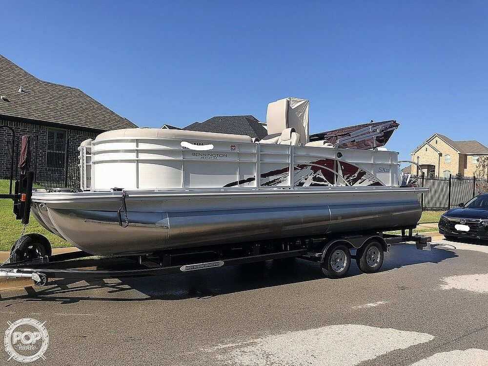 2019 Bennington boat for sale, model of the boat is SX 22 & Image # 3 of 40
