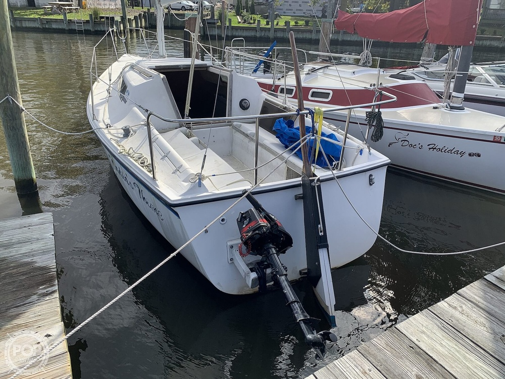 1985 Hunter boat for sale, model of the boat is 23 & Image # 6 of 40
