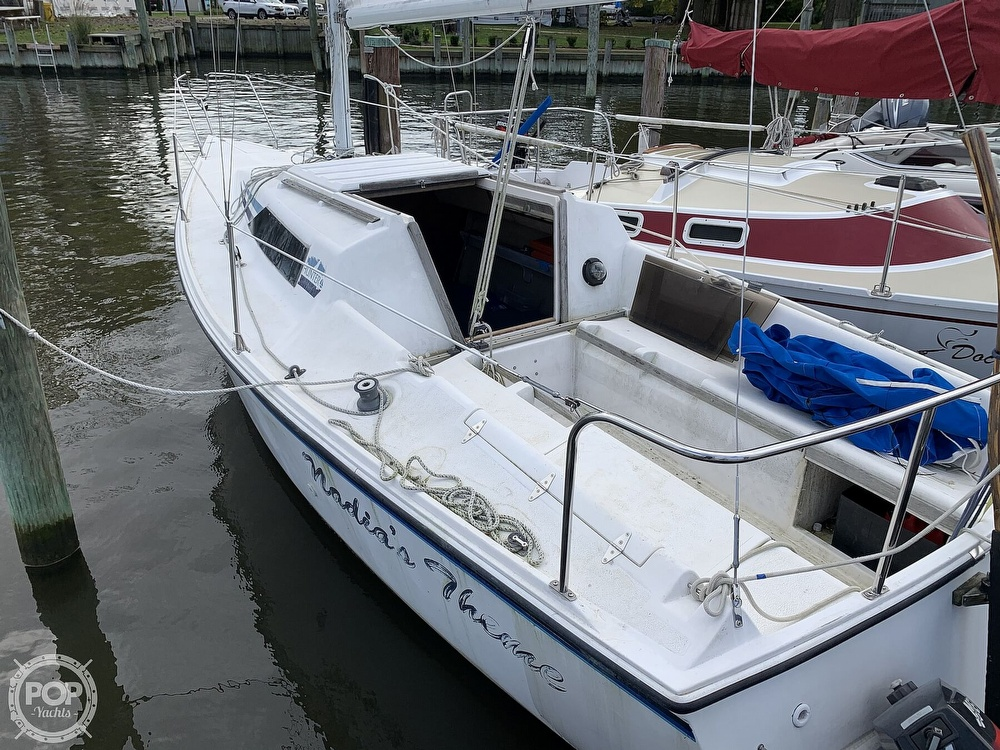 1985 Hunter boat for sale, model of the boat is 23 & Image # 7 of 40