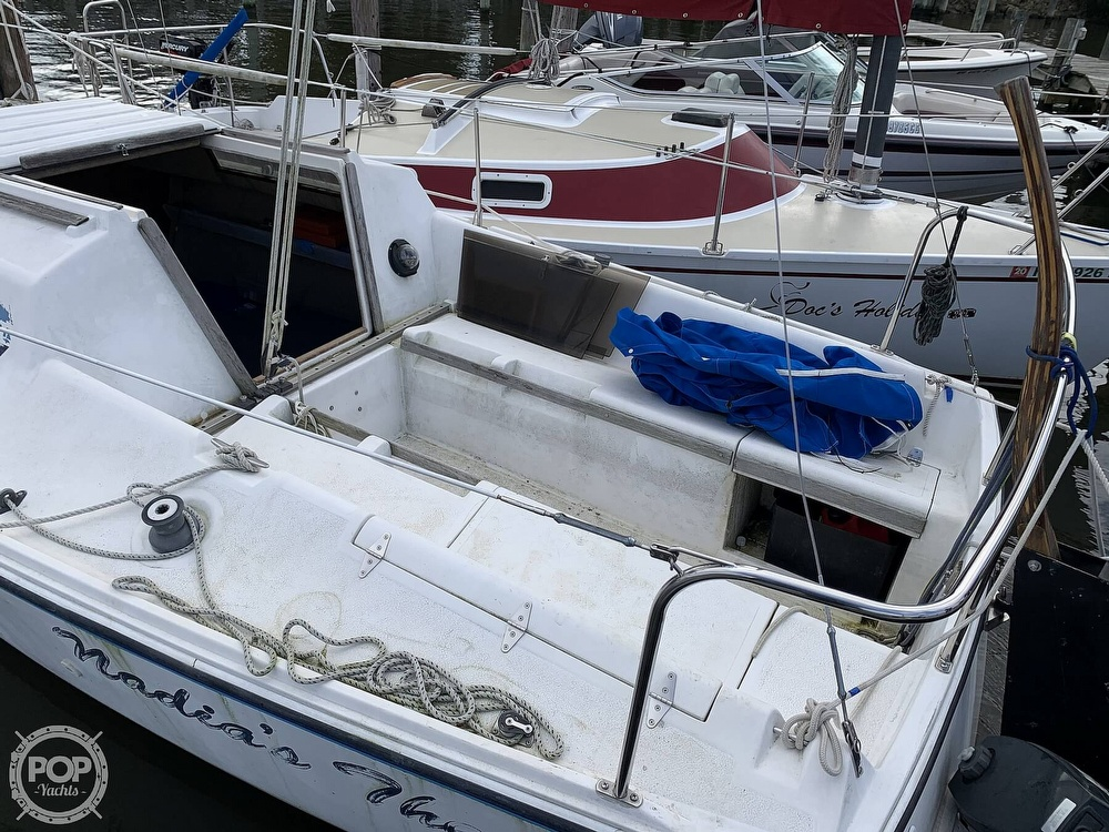 1985 Hunter boat for sale, model of the boat is 23 & Image # 8 of 40