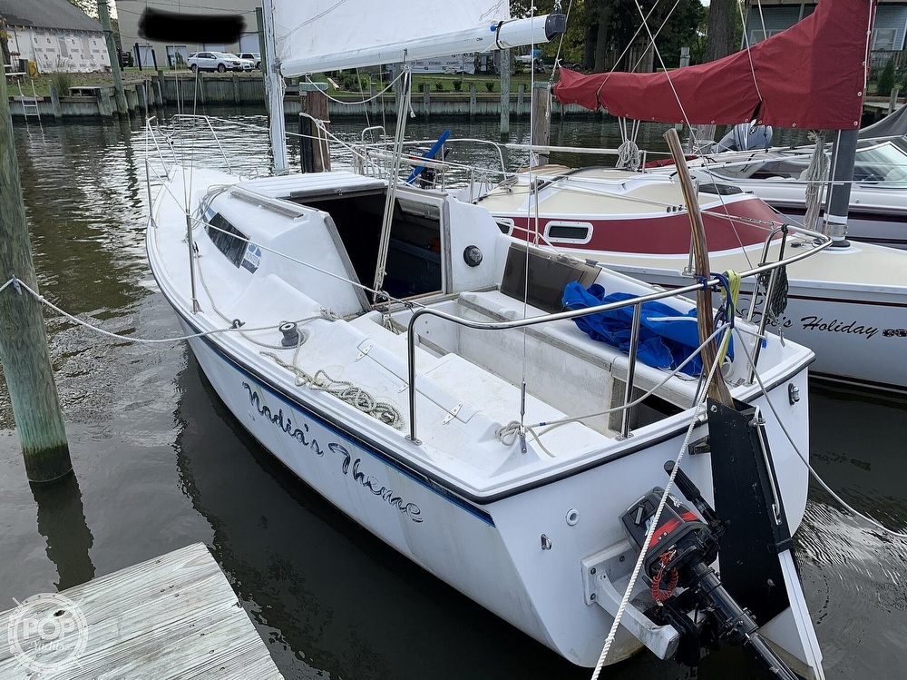 1985 Hunter boat for sale, model of the boat is 23 & Image # 11 of 40