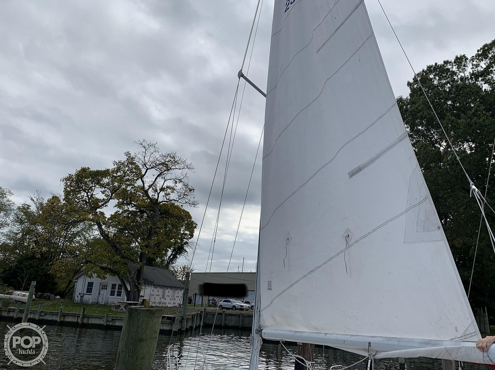 1985 Hunter boat for sale, model of the boat is 23 & Image # 19 of 40