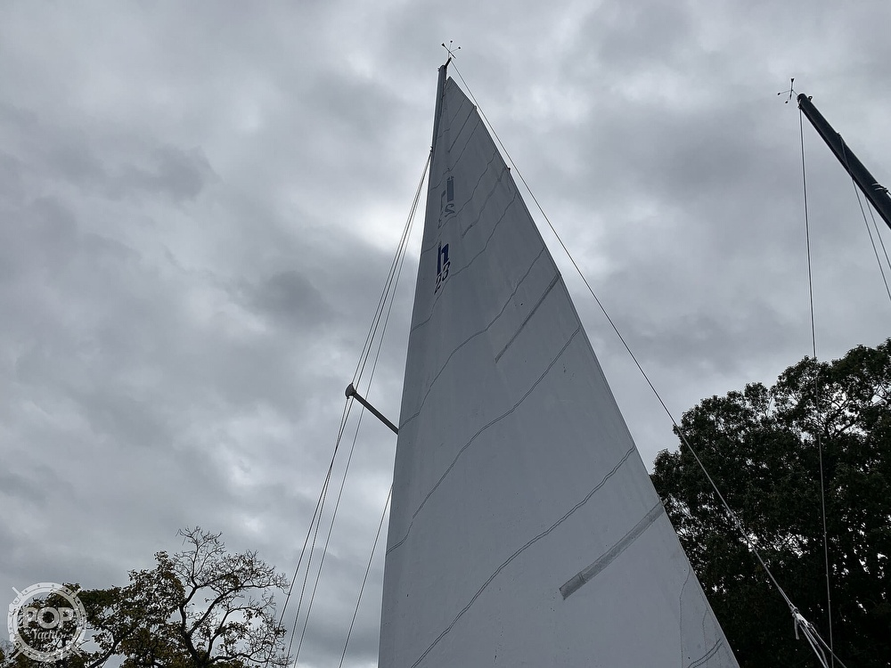 1985 Hunter boat for sale, model of the boat is 23 & Image # 21 of 40