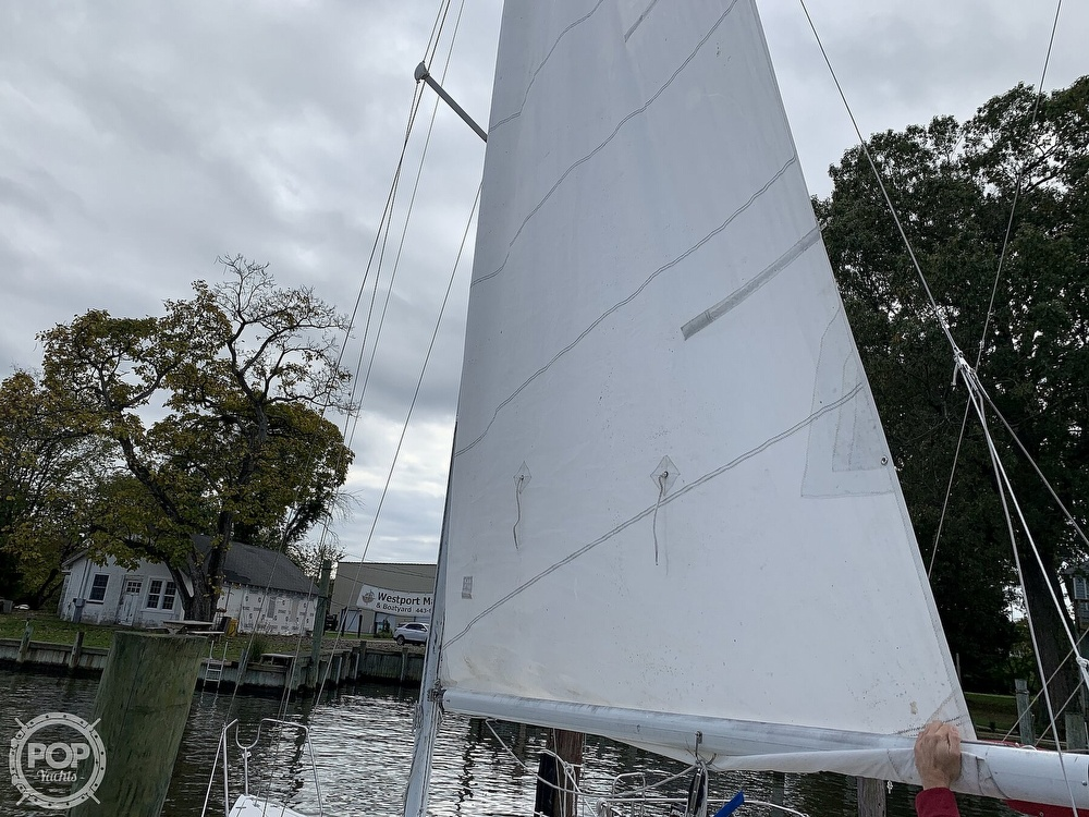 1985 Hunter boat for sale, model of the boat is 23 & Image # 24 of 40