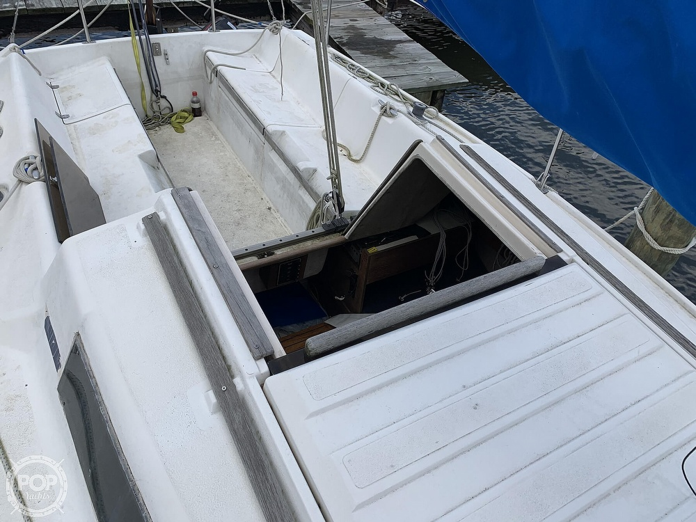 1985 Hunter boat for sale, model of the boat is 23 & Image # 29 of 40