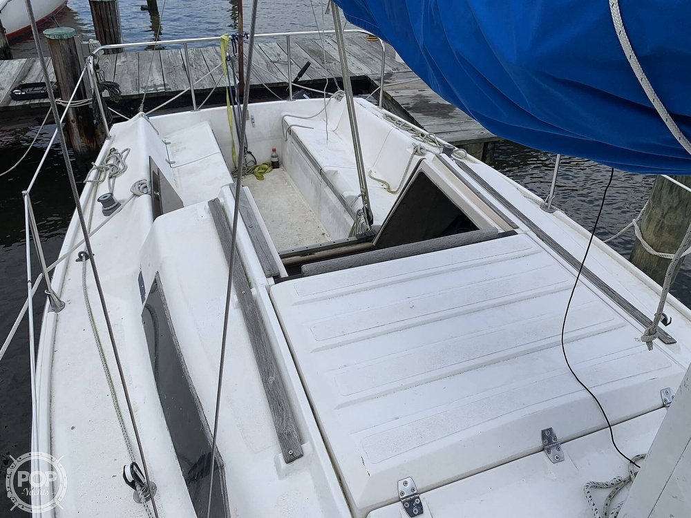 1985 Hunter boat for sale, model of the boat is 23 & Image # 31 of 40