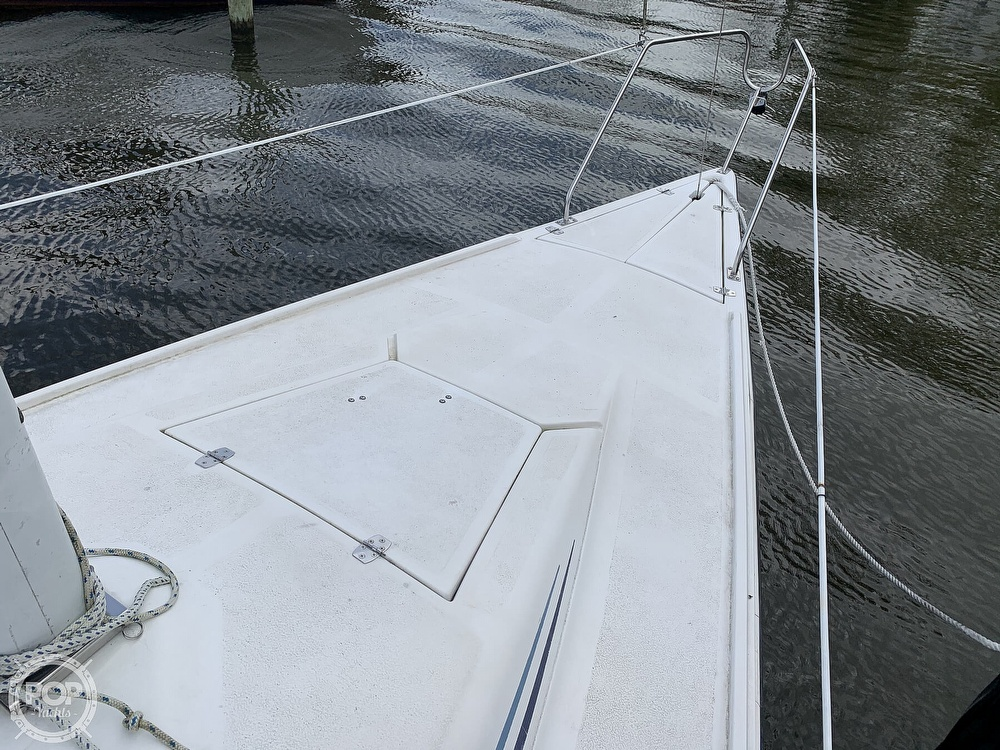 1985 Hunter boat for sale, model of the boat is 23 & Image # 38 of 40