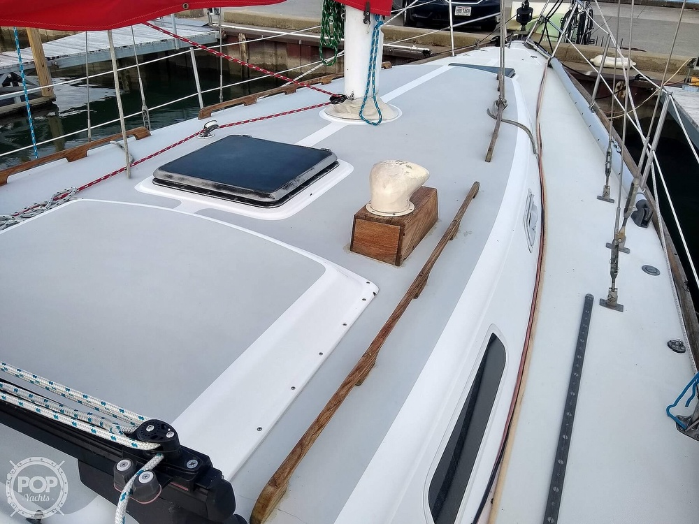 1980 CAL boat for sale, model of the boat is 39MKIII Tall Rig & Image # 14 of 40