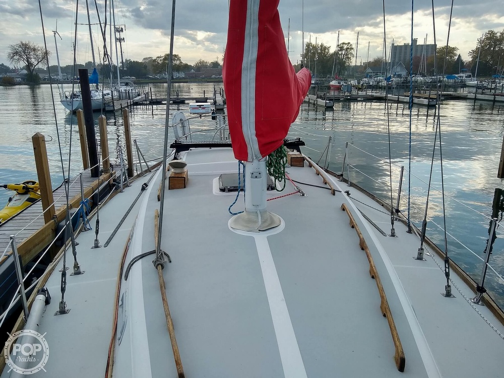 1980 CAL boat for sale, model of the boat is 39MKIII Tall Rig & Image # 5 of 40