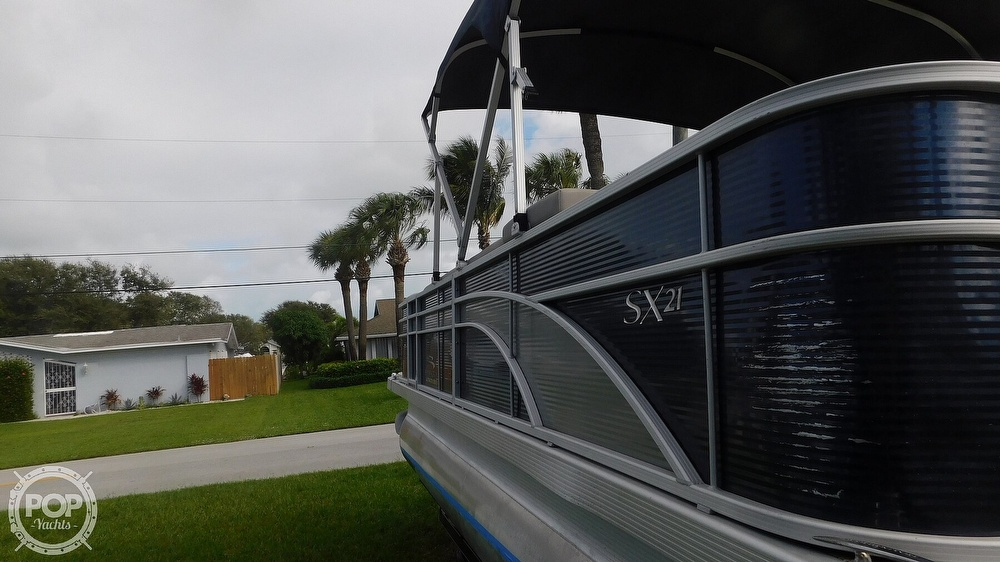 2019 Bennington boat for sale, model of the boat is SX 21 Saltwater & Image # 5 of 40