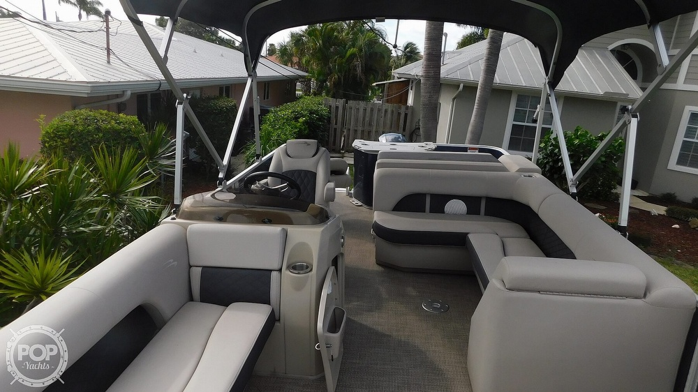 2019 Bennington boat for sale, model of the boat is SX 21 Saltwater & Image # 14 of 40