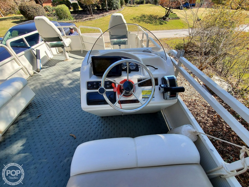 2004 Bentley boat for sale, model of the boat is 200 Fish & Image # 31 of 40