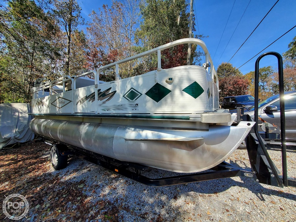 2004 Bentley boat for sale, model of the boat is 200 Fish & Image # 3 of 40